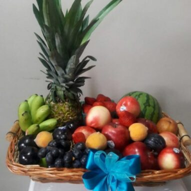 Canasta Frutal con Frutos Rojos - Arreglos Frutales a Domicilio
