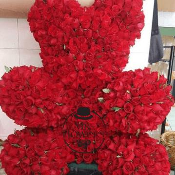 Hermoso Oso   550 Rosas Rojas en forma de Oso