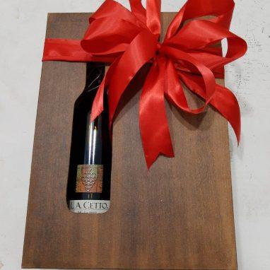Caja de fresas con chocolate y tapa moño rojo